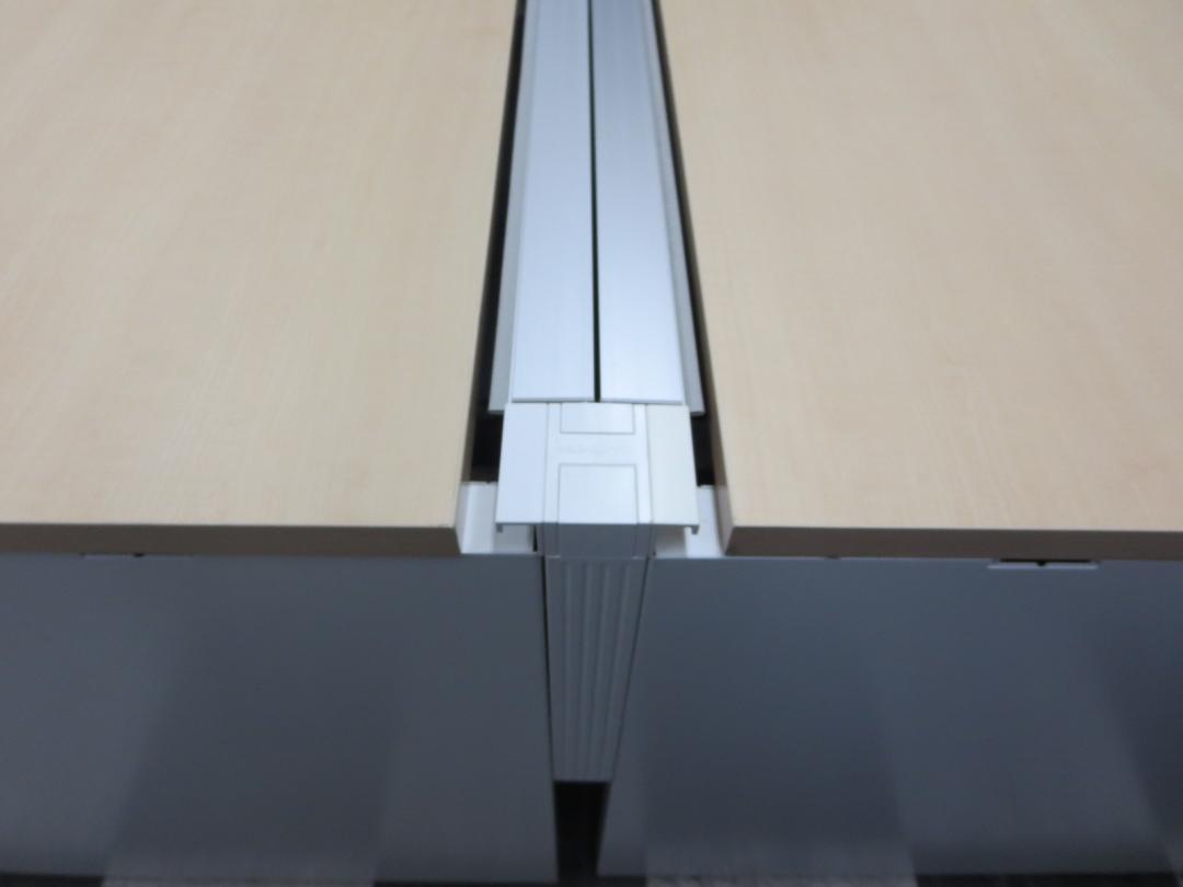 【大量デスク御座います!】【8名様用!】今大人気のフリーアドレスデスク! 一列に幅4800mm並びます!起業や移転にぜひ!! ※画像は3200mmタイプを使用しています|ワークヴィスタ[WorkVista](中古)