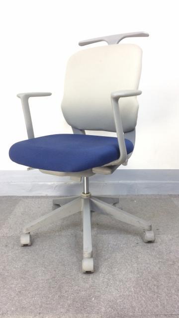 [商品入替につき特別価格にてご案内!][シンプルデザインでお勧め]オフィスチェア 肘付き コストパフォーマンスの高い事務用椅子です