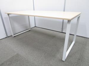 ★美品★4人掛けテーブルとしても活用可能なPLUS(プラス)製SQデスクシリーズ|中古オフィスデスク|ミーティングテーブル|木目