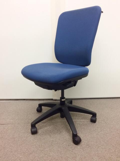 【国産メーカー】【6脚入荷】ゆったり座れシンプルでデザインで人気のMIチェア!