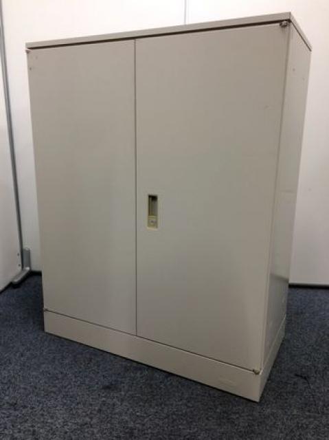 【大量入荷】両開き書庫 オカムラ製 42シリーズ 開口部広めで書類多い企業向け!(鍵1本つけます)