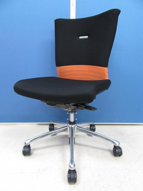 [リクライニングロックができないだけでこの価格!?]岡村製作所(okamura) フィーゴチェア(feego) オレンジ×ブラック■先進のエルゴノミクスに秘められた快適な座り心地とシーティングとしての使いやすさ!![シームレス] 【β】