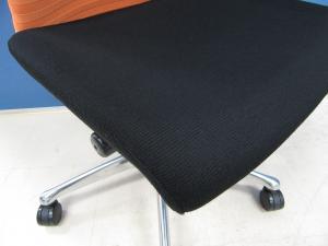 [リクライニングロックができないだけでこの価格!?]岡村製作所(okamura) フィーゴチェア(feego) オレンジ×ブラック■先進のエルゴノミクスに秘められた快適な座り心地とシーティングとしての使いやすさ!![シームレス] 【β】[feego](中古)