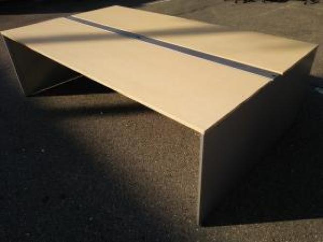 【関西倉庫在庫】倉庫に大量入荷中!人気の木目天板フリーアドレスデスクです!!