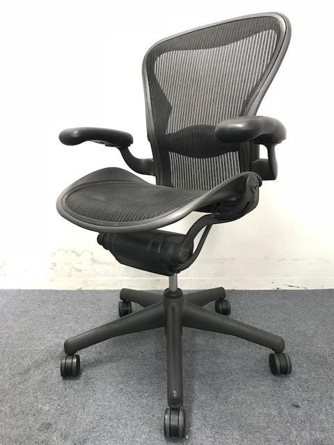 【大量入荷!】アーロンチェア|高級チェアの代名詞!|上長席に1脚いかがですか。