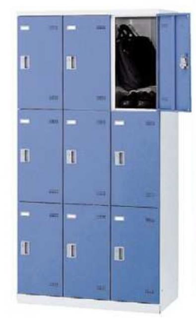 3列3段9人用ロッカー、シリンダー錠付きで安心して荷物を入れておけます。【シリンダー錠】