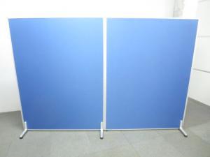 ■ローパーティション2枚セット ■W2400(W1200・2枚連結)×H1600mm【安定脚付き】■ブルー・クロス張り【2連衝立パネル】|Zシリーズ ローパーティション(布貼リタイプ)(中古)