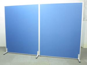 ■ローパーティション2枚セット【H1800mmタイプ】■横幅2400mm(1200mm×2枚連結)【安定脚付き】■ブルー(布張り)【2連衝立パネル】