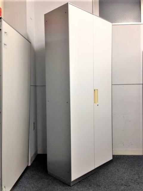 【ハイキャビネット】ホワイト+シルバーが格好いいコクヨ製の両開き書庫が4台入荷!!