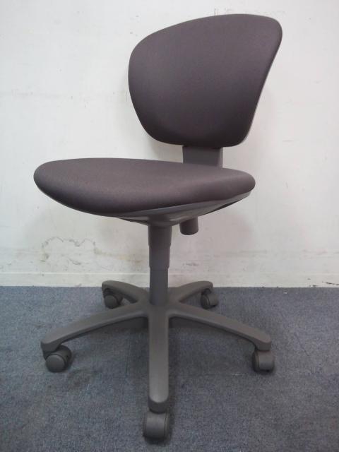 【在庫入替の為お安く!】|事務椅子|定番のレグノチェア|あらゆるオフィスにフィットします!