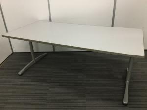 【在庫入替セール品】内田洋行製ミーティングテーブル W1800mmのちょうど良いサイズ