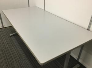 【在庫入替セール品】内田洋行製ミーティングテーブル W1800mmのちょうど良いサイズ|その他シリーズ(中古)