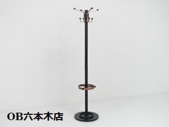【地方倉庫在庫品】今の時期にはぴったりなコートハンガー!!【736】【RA】