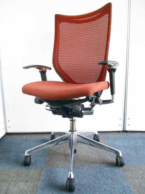 【限定3脚の入荷!】先進のエルゴノミクスが生み出す快適な座り心地【シンプル&シャープなデザイン】【B】