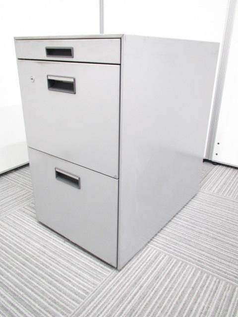 【フリーアドレスデスク専用ワゴン」3段ワゴン 書類整理の優れもの!!ノーブランドですが仕様問題御座いません。ニューグレー 幅400 奥行600 高さ680