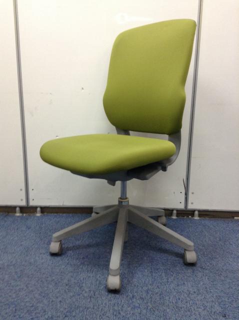 【20脚入荷】明るいオフィス造りに最適!グリーン色オフィスチェア