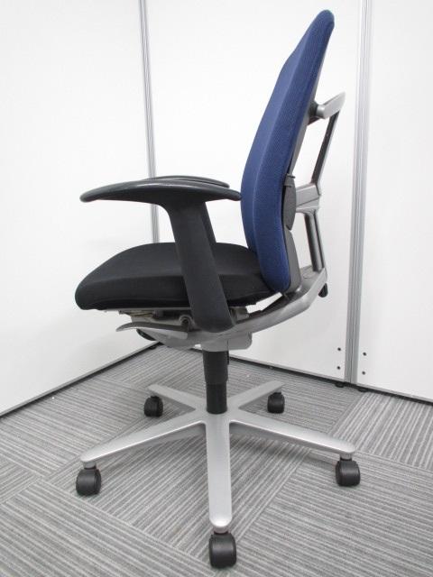 [座り心地・安定感抜群]オフィスチェア 固定肘付き ウチダ キャストチェア|キャストチェア[CAST](中古)
