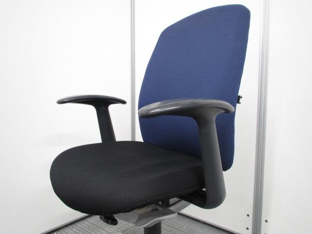 [座り心地・安定感抜群]オフィスチェア 固定肘付き ウチダ キャストチェア[CAST](中古)