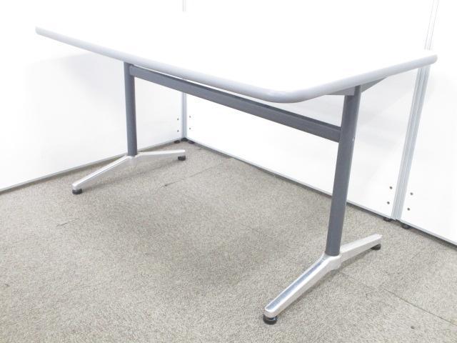 【人気商品につき1台追加入荷!!】コンパクトなミーティング用テーブル!!作業台としてもご使用頂けます!!