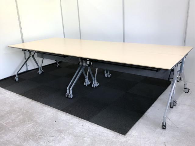 【フリーアドレスデスク仕様?】スタックテーブルを4台並べてフリーアドレスデスク仕様にしちゃいました!【安心のオカムラ製】