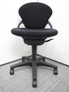 [人気のブラックカラー]オフィスチェア 事務椅子 イトーキ プレーゴチェア[Prego](中古)