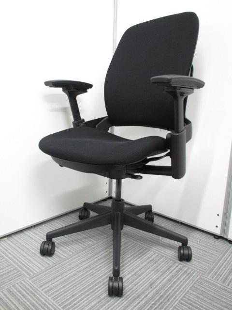 [上野店・座り心地重視のお勧めチェア]スチールケース社 リープチェア V2モデル 一人一人に合わせた座り心地を調整可能!
