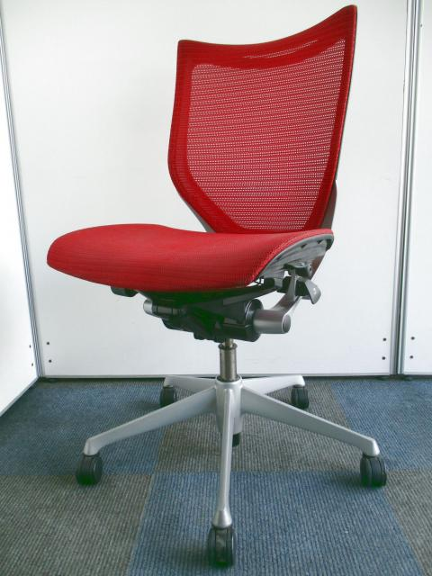【憧れのチェアがこの価格で!!】オフィスワーカーが今注目しているチェア!!【メッシュ生地で座り心地も快適!!】