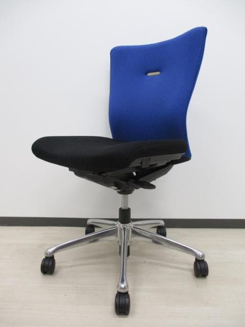 【8脚入荷‼】■エルゴノミクス(人間工学)に関する豊富な研究成果をもとに、快適な座り心地と使いやすさを徹底追及して開発されたチェア‼