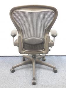 【チェア界の王様!】憧れのチェアがリユースならではのお手頃価格で手に入るチャンス! アーロンチェアBタイプ■バナナクッション[Aeron chair](中古)