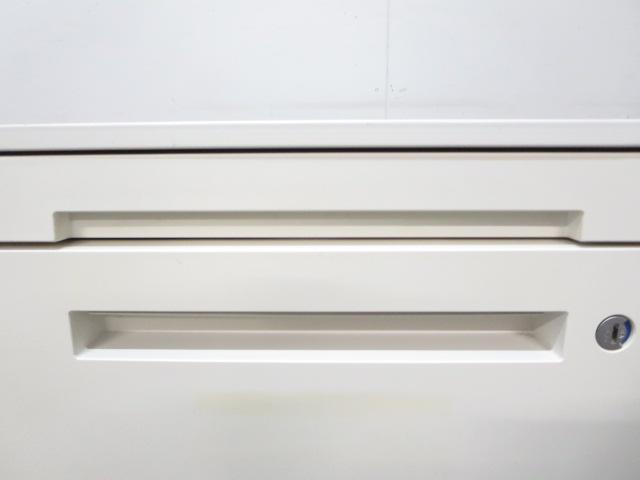 【フリアドデスクにフィット!】■イトーキ製 3段ワゴン ホワイト ■使いやすい!人気商品!【高品質!】                         CZR デスクサイド                                      中古