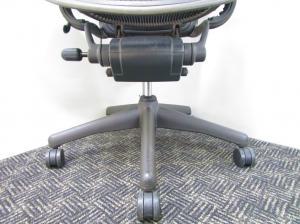 """【残り3脚!】""""成功者のイス""""と言われるオフィスチェア『アーロンチェア』入荷致しました!【中古オフィス家具】【さいたま市】[Aeron chair](中古)"""