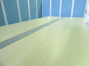 【倉庫在庫のため、数量はお問い合わせください。】[女性も安心するパネル脚仕様!!]オカムラ(okamura) フリーウェイ 横幅2800mm天板×2枚 流行のフリーアドレスデスクもオフィスバスターズにお任せ!![天板が幅2800の為、搬入時は搬入経路にご注意ください!!]【在庫入替につき20%OFF!!】#トレンド #ナチュラル #おしゃれ  θ[ProUnit Freeway](中古)