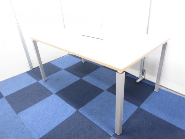 【状態良好品が入荷!!】綺麗な木目天板なミーティングテーブルです!!【便利な配線カバー付き!!】