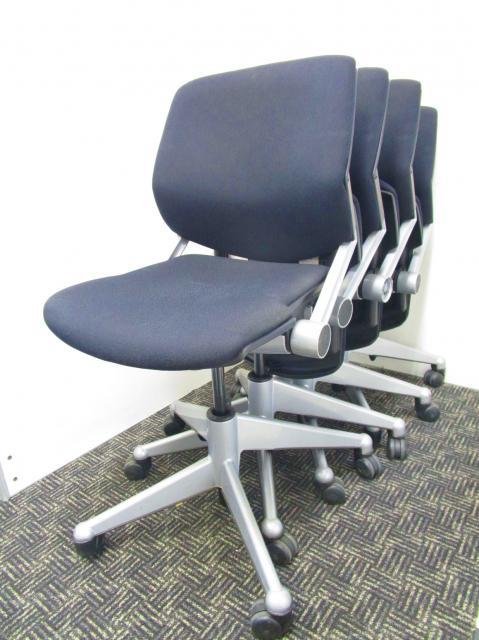 【¥32,000→¥28,000(10%OFF)】お買い得なミーティングチェア4脚セット!今までのミーティングチェアにはない座り心地を体感してください!【中古オフィス家具】【さいたま市】