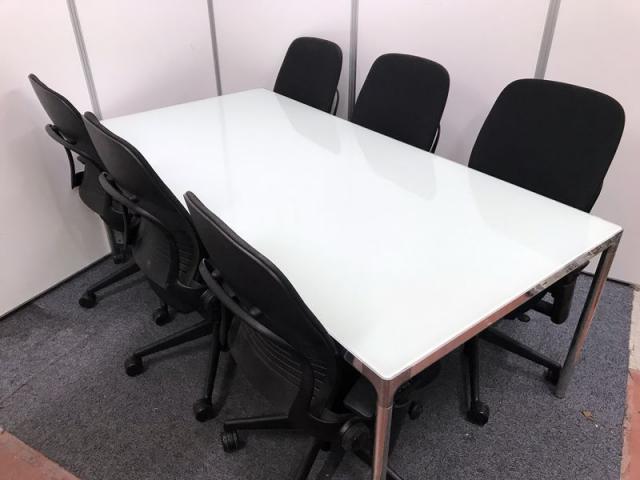 【セット商品】ミーティングテーブル+高級チェア(STEEL CASE LEAP(リープ))×6脚 セット新品定価総額:1,384,800円
