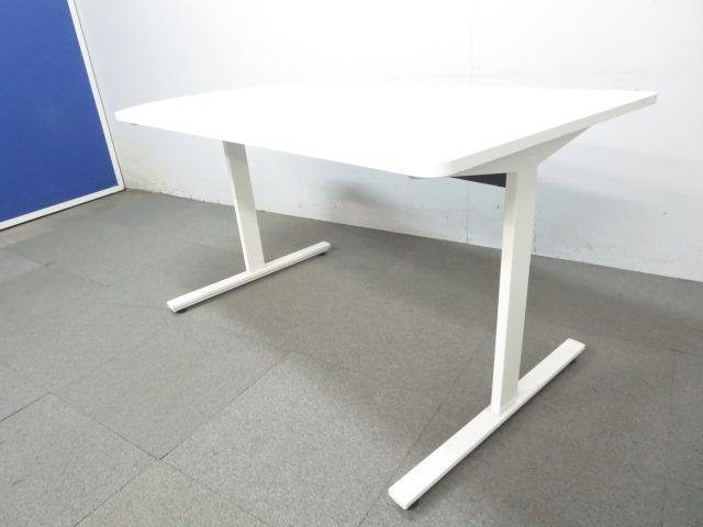 【2台入荷!】■イトーキ ミーティングテーブル DCシリーズ ホワイト ■特徴的なフォルムのテーブルです。会議・休憩・ご自宅用としてお使いください!