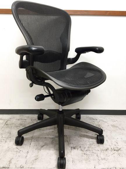 今もなおオフィスチェアの中で不動の地位を築き続けるアーロンチェアがロット入荷致しました。  |アーロンチェア[Aeron chair](中古)