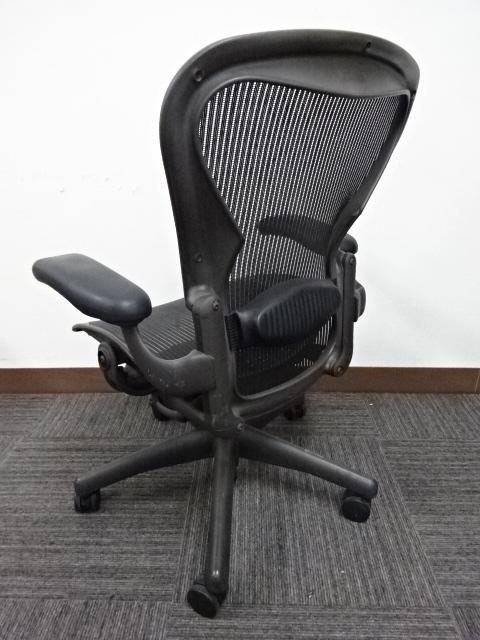 ハーマンミラー アーロンチェア 2脚入荷致しました!!|アーロンチェア[Aeron chair](中古)
