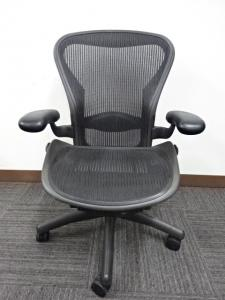 【王道のランバーサポート付】ハーマンミラー アーロンチェア スタンダードBタイプ 2脚入荷致しました!![Aeron chair](中古)