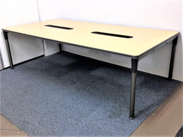【在庫入れ替え価格】【1台入限定】配線孔付き大型テーブル!!オカムラ アプション 6~8名推奨 フリーアドレスデスクとしてのご使用もおススメ!!