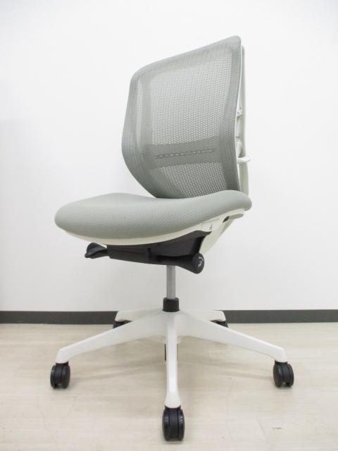 【パソコンの前傾姿勢にオススメ!】【今オカムラで売れ筋!】【中古希少品】Sylphyチェア■体格にあわせて、包み込む優しい座り心地のチェア[前傾]