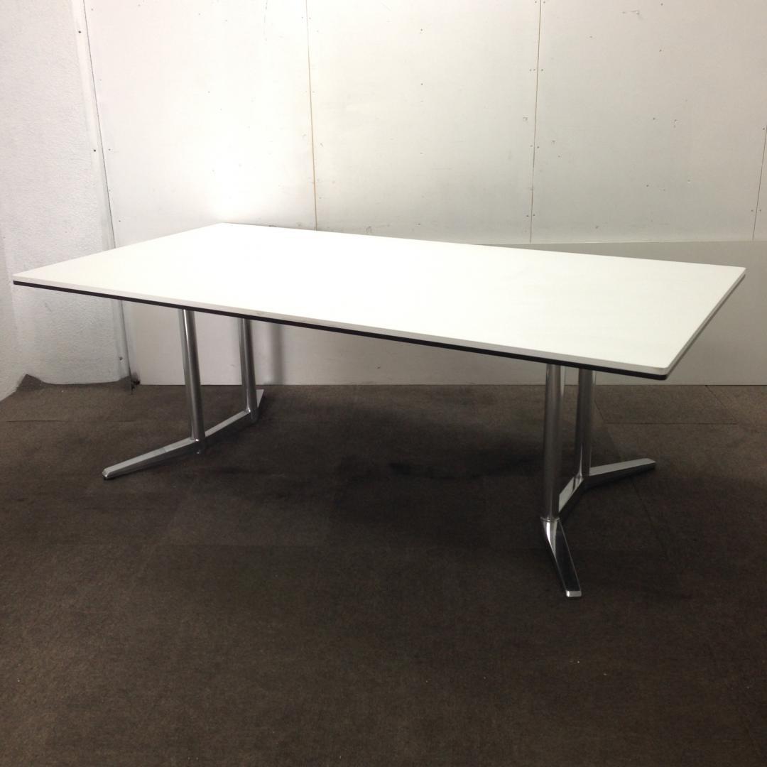 【3月納品までの限定価格!2019年】【1台限定!】オカムラ製|ラティオⅡ!高級感溢れる綺麗な大型テーブルです!