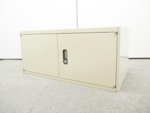 【スキマ収納!】天袋書庫入荷!■扉が床こすらないようになっているので単体でも利用可能!
