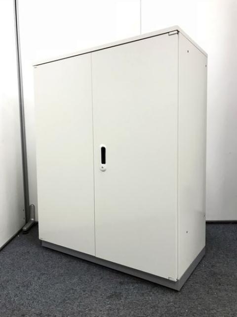 【ホワイト】大人気の純白の両開き書庫が入荷!天板付きで状態良好です!!