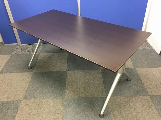 【定価15万】【美品】【ローズ天板】ミーティングテーブルの入荷です!会議室にいかがでしょうか!