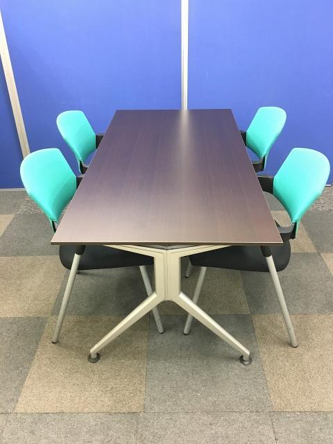 【チェア4脚とテーブルセット】お得な会議室用セットの販売です!