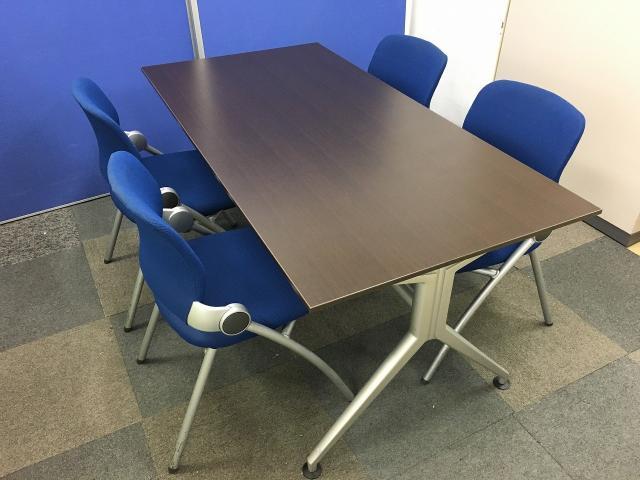 【チェア4脚とテーブルセット】これ一つで会議室の出来上がりです!