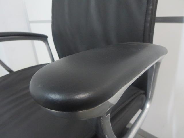 【役員様・ご自宅用にオススメ!】■オカムラ エグゼクティブチェア ブラック ハイバック ■CEシリーズ RXタイプ ゆったりとした座り心地が、抜群の快適さを演出します! |その他シリーズ(中古)