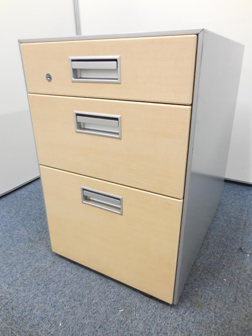 【引き出しなし!】オカムラ製の平机を入荷しました!|SDシリーズ[SD Desk system](中古)