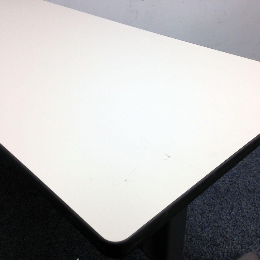 【会議などで急な増設に必要なテーブル】【コクヨ製】横1800mmと広く使え るテーブルとなります その他シリーズ(中古)_2